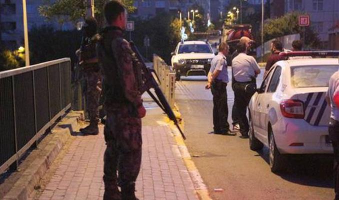 Silahlı saldırıya uğrayan polis şehit oldu