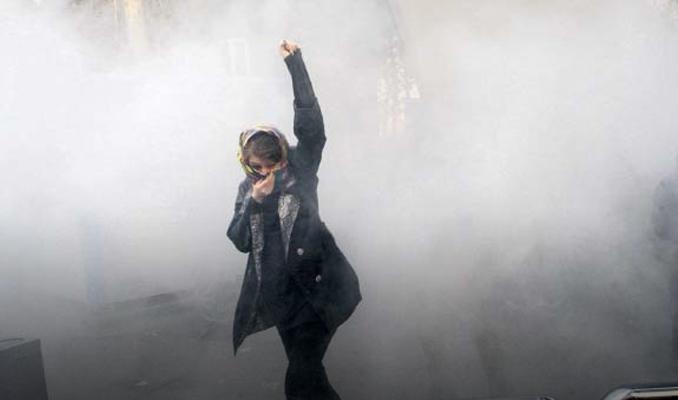 İran'da yüksek tansiyon: 9 gösterici daha öldürüldü