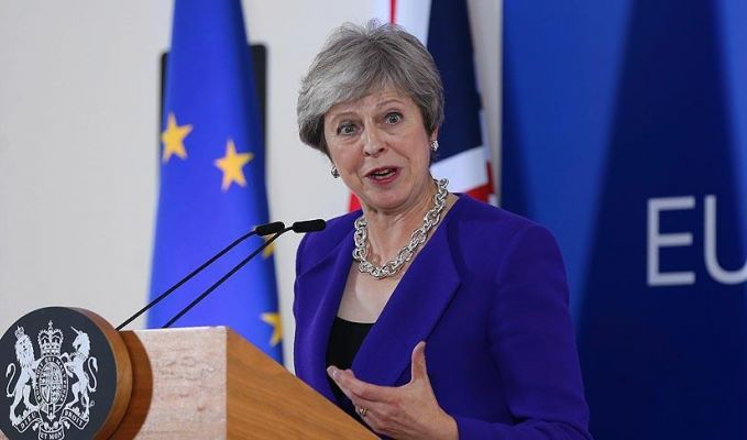 Theresa May,Pedro Sanchez'le görüştü