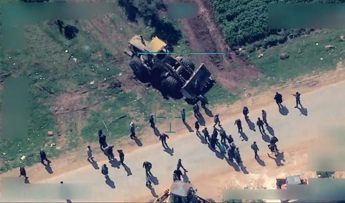 Afrin'den çıkmaya çalışan sivillere hendek engeli #afrin