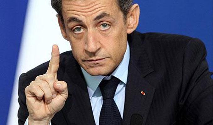 Sarkozy'e gözaltı şoku