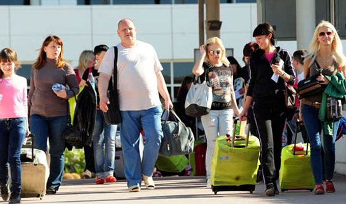 Ruslar Türkiye'de tatil için kuyruğa girdi