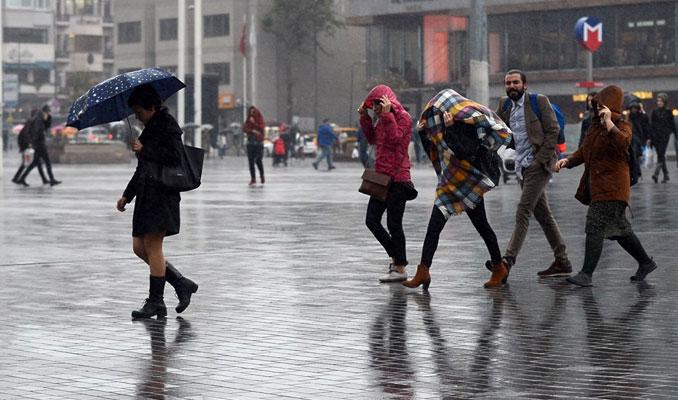İstanbul'da şiddetli yağış etkisini gösteriyor