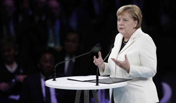 Merkel: Türkiye yakın gelecekte AB üyesi olamaz