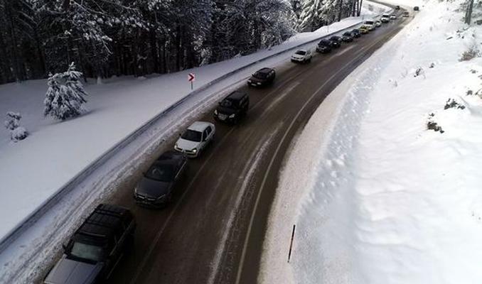Uludağ'da trafik çilesi, kilometrelerce kuyruk
