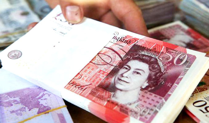 Anlaşmasız Brexit İngiltere'nin bütçe açığını tırmandırır