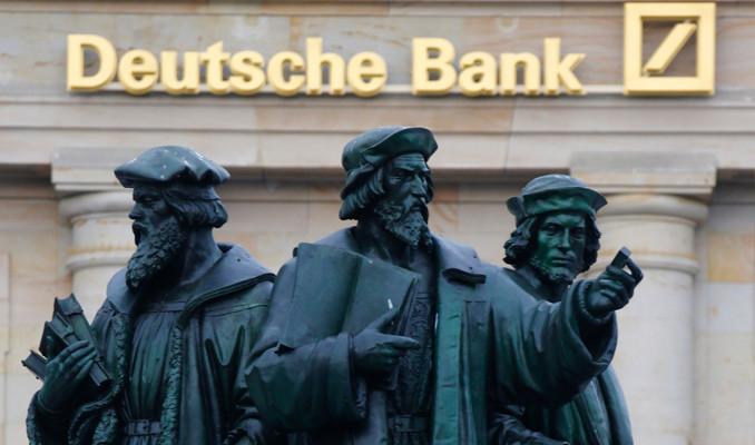 Deutsche Almanya'da planlanan 18 bin kişilik tenkisatın yarısını yapacak