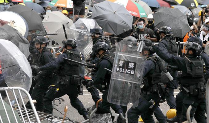 Hong Kong'daki seçimde sandık başında polisler olacak