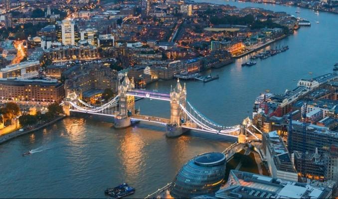 İngiltere'de konut fiyatları 1 yılın en hızlı artışını kaydetti