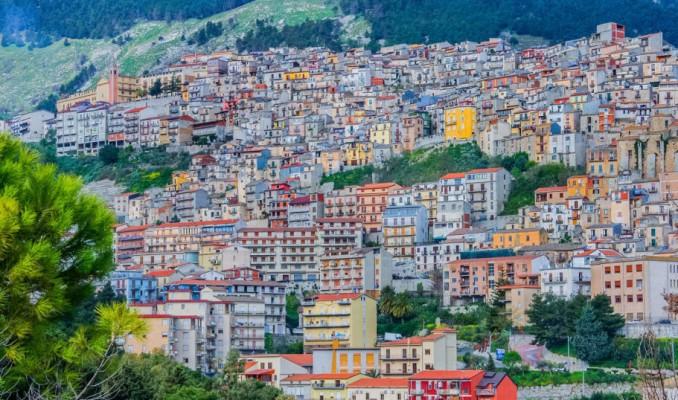 İtalya'da ücretsiz ev dağıtımı!