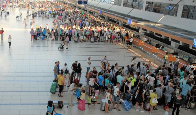 Antalya'ya hava yoluyla gelen turist sayısı 15 milyonu aştı