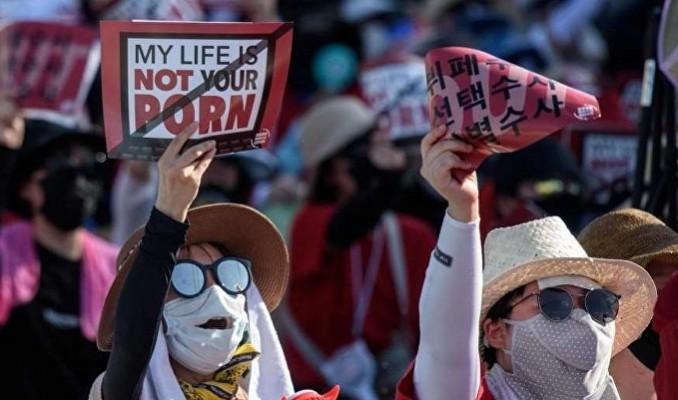 Güney Kore'de gündem 4 Hayır'cılar