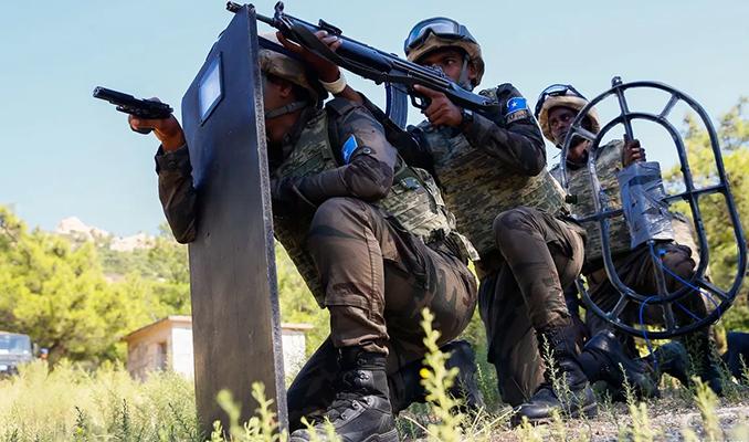 Somali'de milletvekillerinin kaldığı otele silahlı saldırı