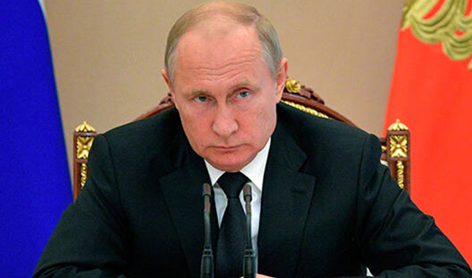 Putin yasayı onayladı: Rus olmayanlar yasaklanacak