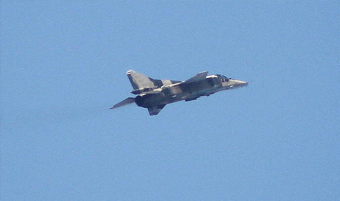 Hafter'e bağlı savaş uçağı düşürüldü: Pilot esir alındı
