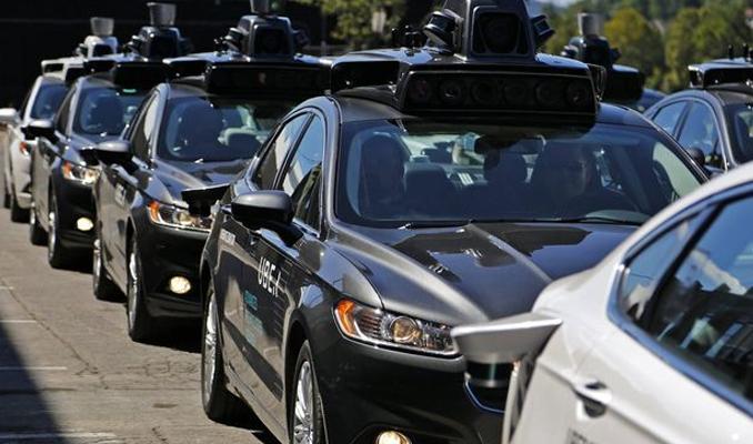 Uber'e sürücüsüz araç için 1 milyar dolarlık yatırım girişimi