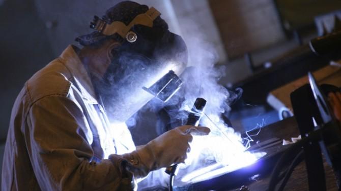 Sanayi üretimi Ocak'ta beklentinin üzerinde arttı