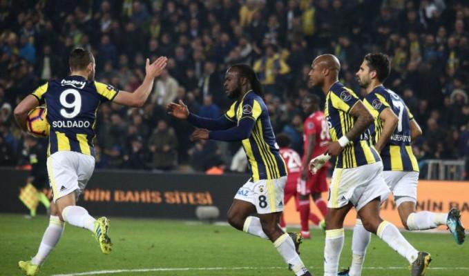 Fenerbahçe, Sivasspor'u 2-1 mağlup etti