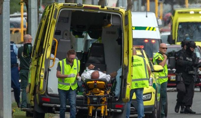Yeni Zelanda'da camiye terör saldırısıyla ilgili 3 kişi tutuklandı