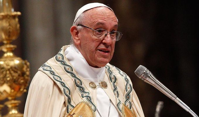Papa terör saldırısı için 'anlamsız şiddet eylemleri' tanımını yaptı