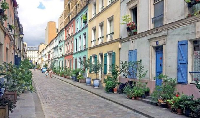 Paris'te 'instagramcı istilası' isyanı
