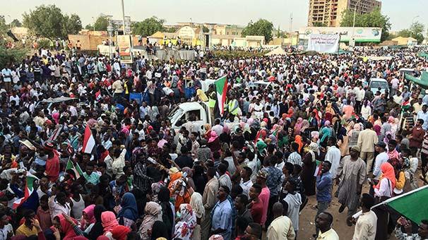 Sudan'da asker Başbakanlık için aday göstermeyecek