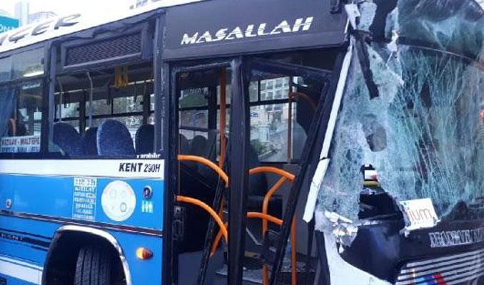 Halk otobüsü yol temizleme aracına çarptı: Çok sayıda yaralı var