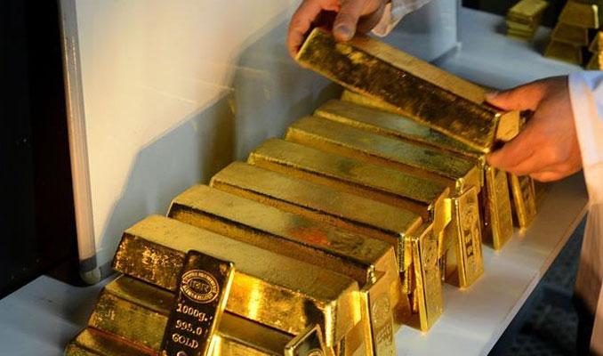 Altın ABD hisselerinin rekora yaklaşması ile düştü