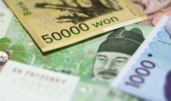 Asya'da gelişen ülke paraları düştü