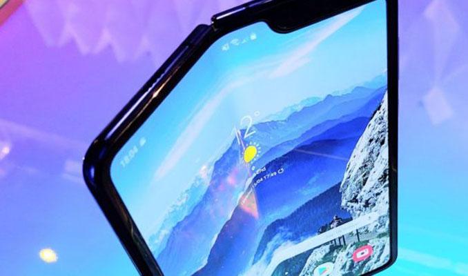 Samsung, Galaxy Fold'un piyasaya çıkışını erteledi
