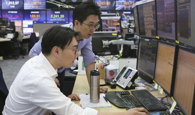 Asya hisse senetleri 'Çin verisiyle' geriledi
