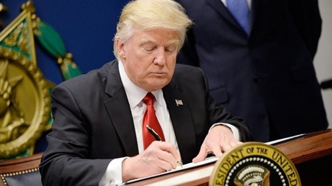 Trump'tan Çin ile ticaret savaşını kızıştıracak imza