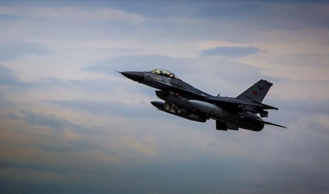 Türk savaş uçakları Hakurk'u vurdu