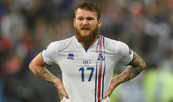 İzlandalı Gunarssonn bekletilme skandalına savunma
