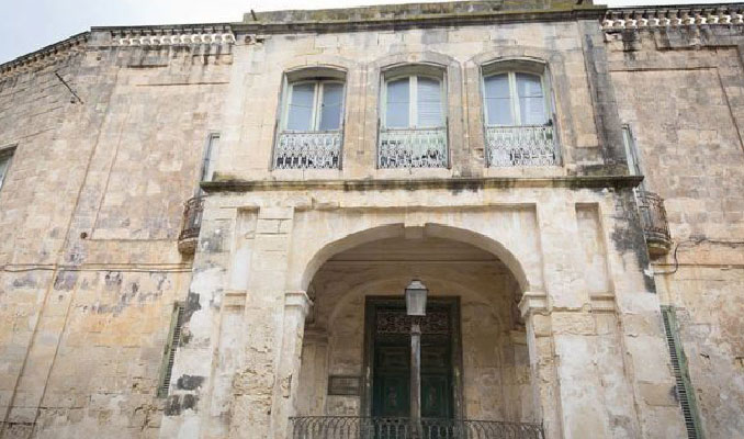 Kraliçe'nin Malta'daki eski villası 6 milyon euro'ya satışa çıkarıldı