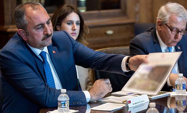 Bakan Gül: FETÖ elebaşının iade edilmeyişi kabul edilemez