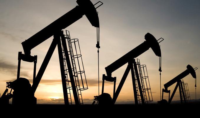Petrol ABD'de stokların artması ile düştü