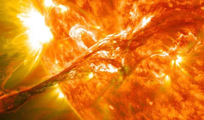 O Astrofizikçi açıkladı! Güneş patlaması...