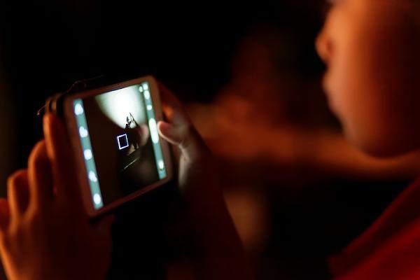 Şarjdaki cep telefonu patladı 12 yaşındaki çocuk öldü