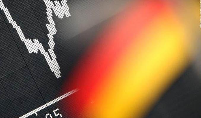 Almanya'da sanayi üretimi Nisan'da düştü