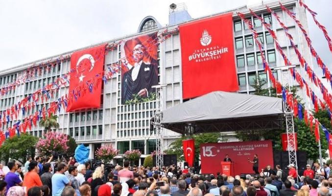 İBB binası önünde 15 Temmuz anma töreni