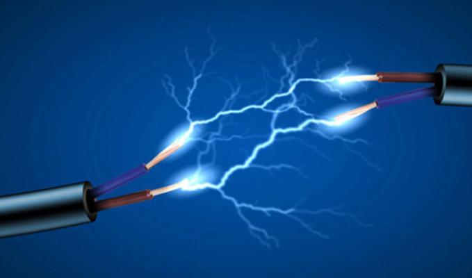 Sanayiciyi elektrik çarptı