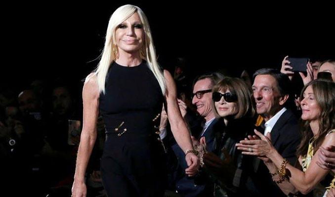 Ünlü İtalyan stilist Versace, Çin'den özür diledi