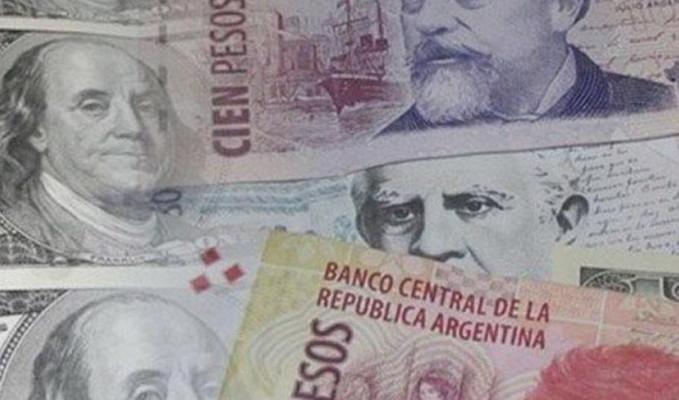 Arjantin'de pezo yüzde 30 değer kaybetti