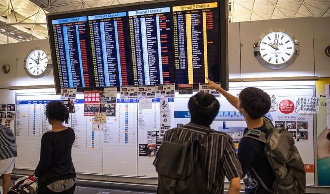 Hong Kong'da uçuşlar tekrar başladı