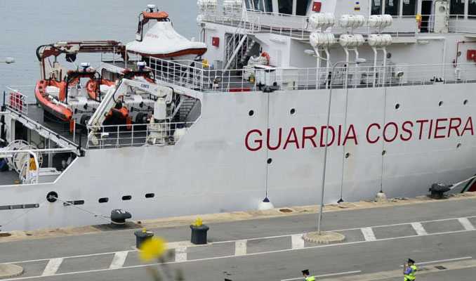 İtalyan mahkemesinden sığınmacıları kurtaran gemiye izin