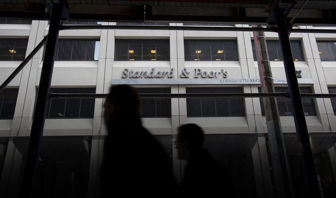 S&P Arjantin'in kredi notunu düşürdü