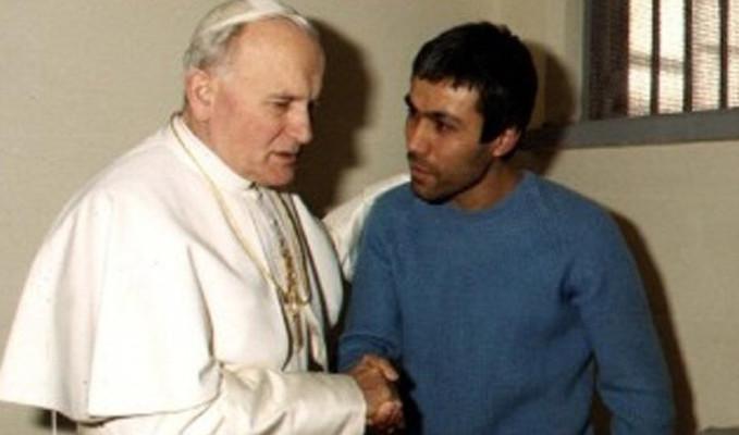 Papa suikastını araştıran eski savcı hayatını kaybetti