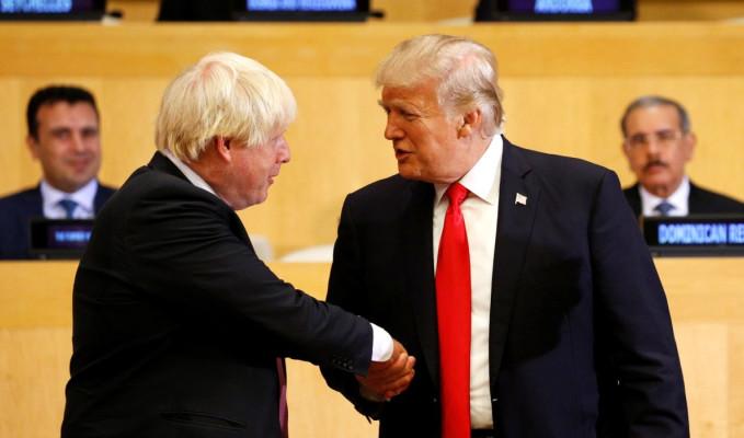 Trump ile Johnson Fransa'da görüştü