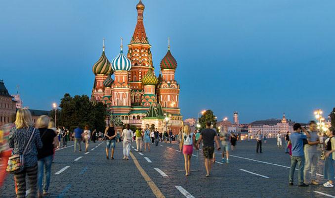 Rusya'da 25 yaşın altındakilere kredi yasağı